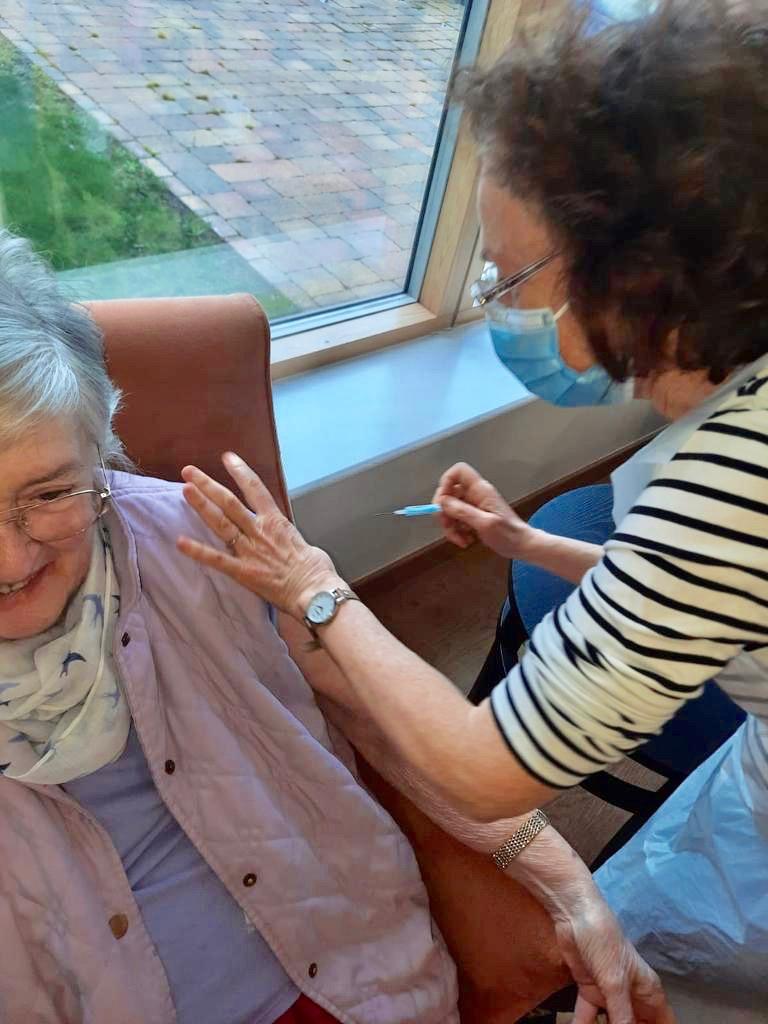 Fairfield resident getting her 2nd coronavirus jab